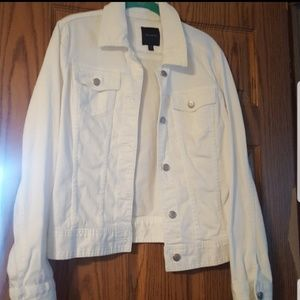THE LIMITED WHITE DENIM JEAN JACKET